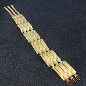 Waist clincher gold leather belt India 25 26 S XS